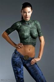 боди-арт на женском теле, рисованная одежда