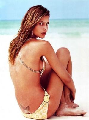 Татуировка голой Ана Беатрис Баррос  Ana Beatriz Barros