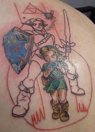 Татуировка на спине щит покрашен